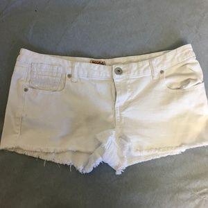 Mudd White Jeans Shorts Size 15 Juniors